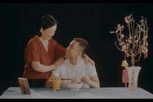 'Hiện tượng cover' Dương Edward cho rằng Tết không nên đi du lịch mà hãy ở bên gia đình