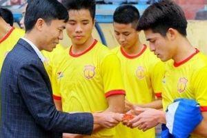 Cầu thủ Việt và chuyện thưởng Tết: Người tiền tỷ, kẻ nợ lương