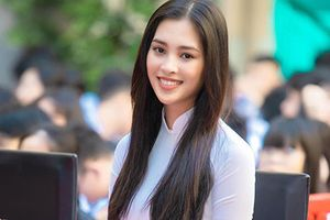 Hoa hậu Trần Tiểu Vy càng giản dị càng đẹp mê hồn