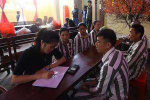 Tâm sự nặng lòng về nỗi nhớ ngày Tết của những phạm nhân là vợ chồng, anh chị em ruột trong trại giam Ninh Khánh