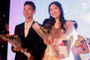 Cặp đại sứ tài sắc của THPT chuyên Sư phạm Hà Nội