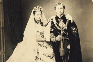 Cực hiếm loạt ảnh về các đám cưới Hoàng gia Anh