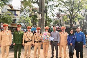 Thành đoàn Hà Nội chúc Tết chốt trực 141 của CATP