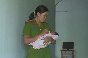 Nhặt được cháu bé ở hố rác, nữ công an cứu sống và nhận nuôi