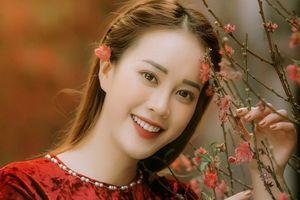 Á khôi sinh viên Việt Nam khoe sắc trong bộ ảnh đón Xuân