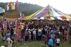 Độc đáo ngôi chợ chỉ mở 1 ngày trong năm vào mùng 1 Tết