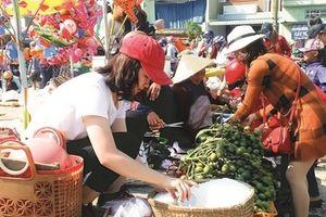 Phiên chợ chỉ họp vào mùng 1 Tết Nguyên đán