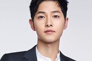 Ông xã Song Hye Kyo gửi lời chúc Tết tới người hâm mộ đọc mà ấm cả lòng