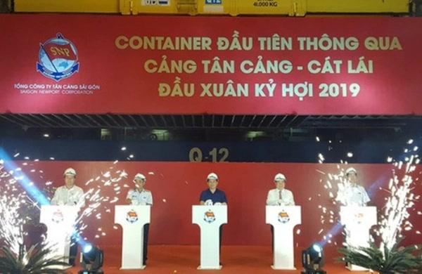 Tân Cảng Sài Gòn 'phát lệnh' xuất lô hàng đầu tiên chào Xuân Kỷ Hợi