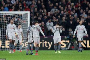 Liverpool bị cầm chân, chỉ còn hơn Man City 3 điểm