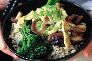 Cẩn trọng những thực phẩm chứa nhiều hóa chất được ăn nhiều vào dịp Tết, làm thế nào để ăn an toàn?