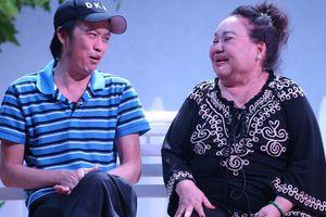 'Minh khùng' Hoài Linh khiến khán giả khóc cười đầu năm