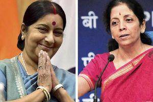 Ngưỡng mộ hai nữ bộ trưởng nổi tiếng của Ấn Độ