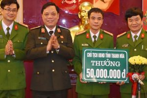 Thanh Hóa: Thưởng nóng Ban chuyên án triệt phá vụ siết cổ hàng xóm ở Hậu Lộc