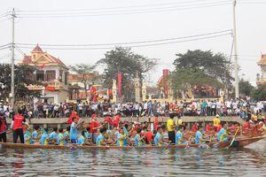 Mồng 3 Tết xem hội đua thuyền ở Lý Hòa