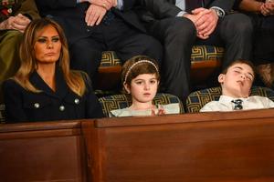 Khách mời nhí nổi tiếng vì ngủ gật khi Tổng thống Mỹ đọc thông điệp liên bang