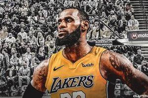 Hình ảnh người hâm mộ Lakers lo sợ đã sớm trở thành hiện thực