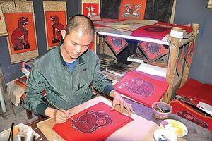 Tranh đỏ Kim Hoàng: Qua mùa thương nhớ