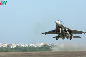 Những người nâng cánh Su-30