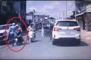 Triệu tập tài xế tát phụ nữ chở con nhỏ mùng 1 Tết ở Đồng Nai