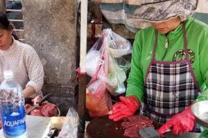 Mùng 4 tết Kỷ Hợi: Chợ truyền thống hút khách, siêu thị lác đác