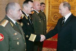 Tổng thống Nga Putin bất ngờ cách chức 9 tướng lĩnh cấp cao