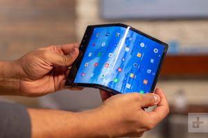 Những mẫu smartphone có thể gập lại nào sắp sửa ra mắt thị trường?