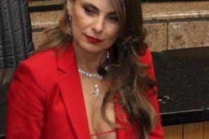 Nữ nghị sĩ Brazil mặc hở hang thấy 'mệt mỏi' vì bị dọa cưỡng hiếp