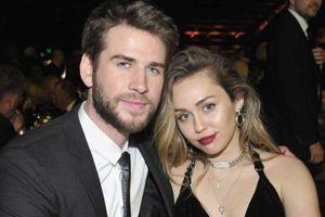 Miley Cyrus đổi tên theo họ chồng sau hơn một tháng kết hôn