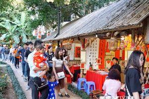 Các điểm văn hóa tâm linh, vui chơi giải trí ở Hà Nội hút du khách