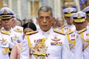 Chính trường Thái 'địa chấn' với những can dự bất ngờ từ hoàng gia