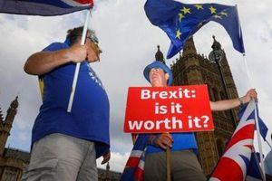 Anh loay hoay với EU nhưng mọi cánh cửa đã đóng