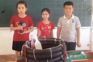Phao cứu sinh tự động của nhóm học sinh lớp 5
