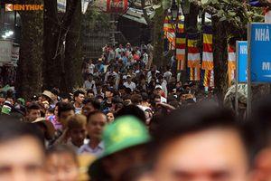 Biển người nô nức dự lễ khai hội chùa Hương 2019