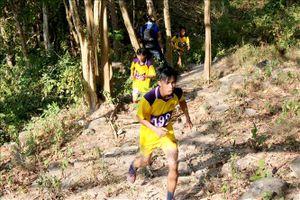 Thi leo núi Tà Cú ở Bình Thuận