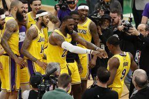 Lakers cần thắng 76ers để xây dựng lại niềm tin đã mất