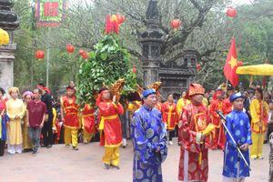 Lễ hội đền Gióng xuân 2019: Du khách thưởng lãm nhiều điều mới lạ