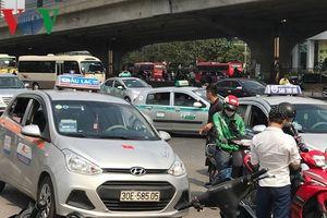 Hà Nội, TP Hồ Chí Minh: Hàng vạn người đổ về trung tâm thành phố