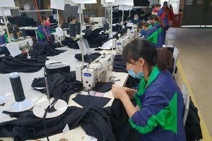 Bảo đảm công bằng cho lao động nữ