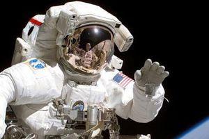 Chín điều thường nhật phi hành gia không thể làm trong không gian