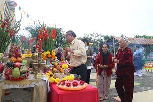 Rộn ràng lễ hội Cầu Bông tại làng rau Trà Quế