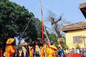 Tái hiện lễ hạ nêu, khai ấn trong hoàng cung Huế
