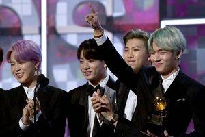 BTS đẹp trai, lịch lãm trong lần đầu tham gia lễ trao giải Grammy