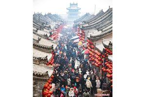 Du lịch và thương mại Trung Quốc gặt hái 'mùa vàng' mới