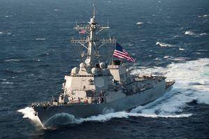 Hai tàu chiến Mỹ mang tên lửa dẫn đường tiến gần tới quần đảo Trường Sa