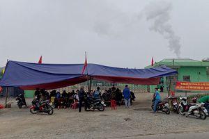 Người dân Hà Tĩnh lại chặn cổng nhà máy rác gây ô nhiễm