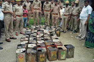 Hơn 100 người tử vong vì ngộ độc rượu ở Ấn Độ
