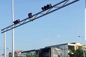 Đà Nẵng: Xử lý 3 xe đầu kéo vượt đèn đỏ bị du khách phát hiện, phản ảnh với CSGT