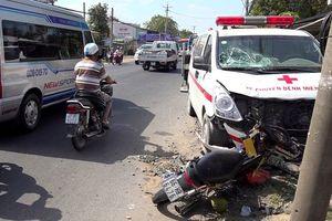 Xe cứu thương gây tai nạn khiến thai phụ 7 tháng mất con