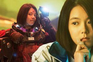 Nữ diễn viên 16 tuổi trải lòng trước chỉ trích của khán giả về diễn xuất trong siêu bom tấn 'Lưu lạc địa cầu'